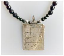 Toeareg zilver pendant met zilver amulet